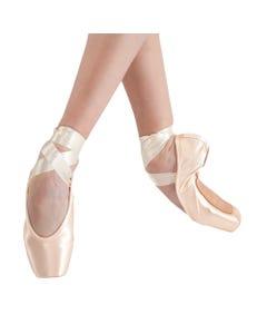 Gaynor Minden Pointe Shoe - M3-1-22